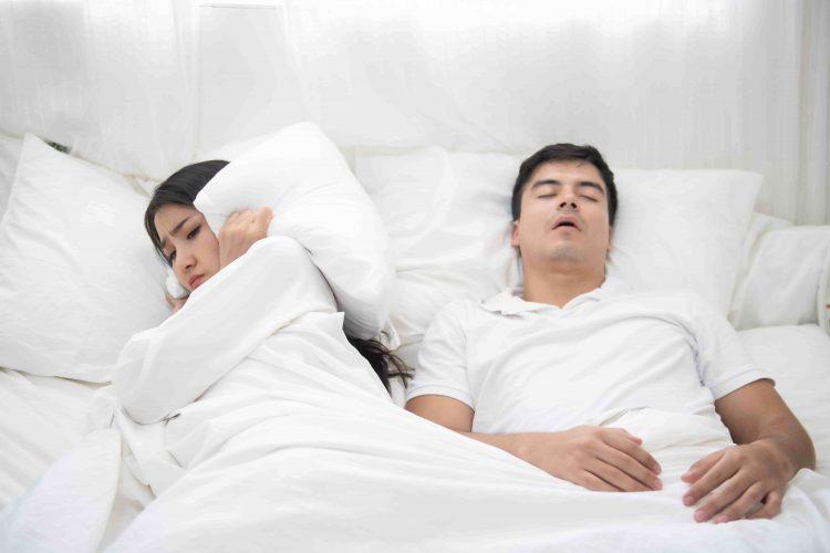 """Imagem destaque artigo """"Ronco no Homem e Mulher"""" - Artigo Orthoclin"""